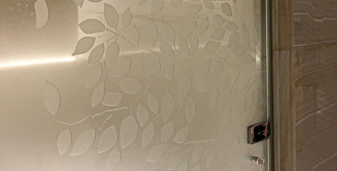 Porte de douche en verre avec motif gravé et dépoli dégradé verni ARIZIO MIROIR DECO